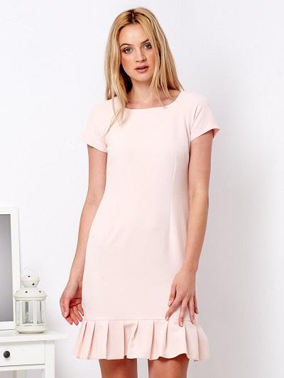 Sukienka z falbaną – modne fasony na różne okazje